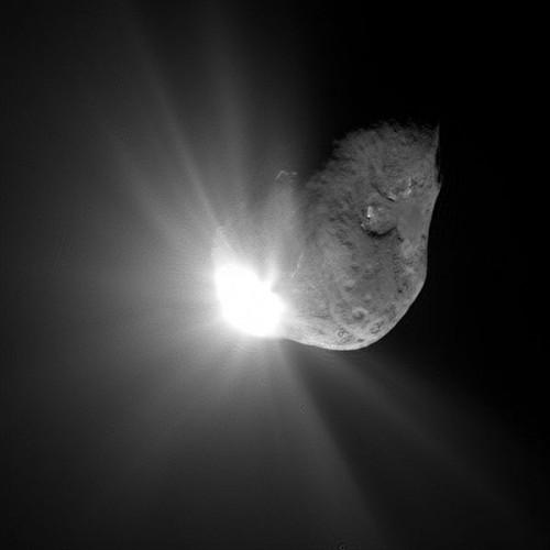 noyau-comete-tempel-1.jpeg